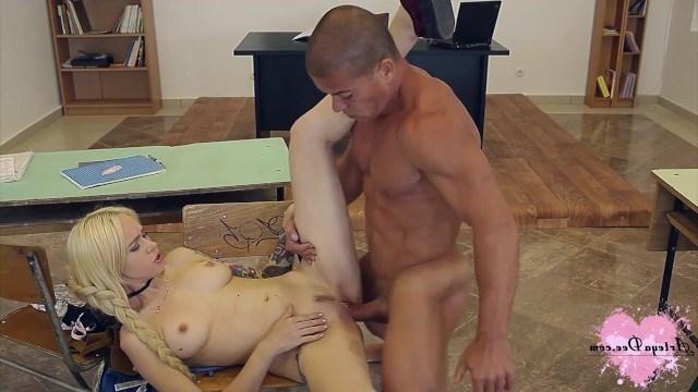 Трахаются С Учителем Русское Порно