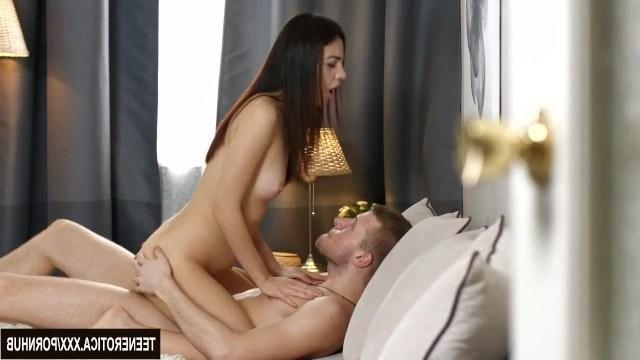 Джессика Мэлоун без разговоров согласилась на анальный секс с парнем