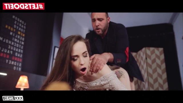 Пока Муж Спал Жена Ебалась Порно