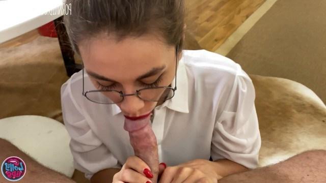 Молодая учительница наказала непослушного студента качественным сексом