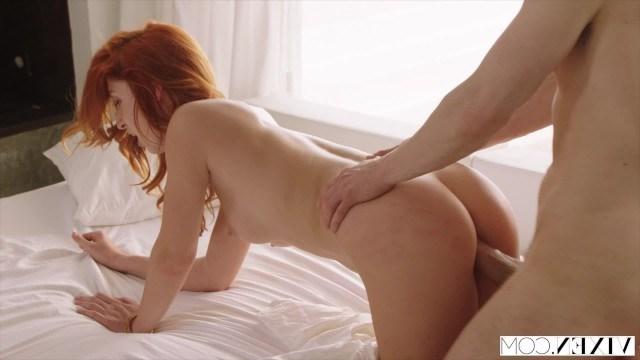 Мужчина фотографировал красивую телку Ред Фокс и так же классно ее трахал