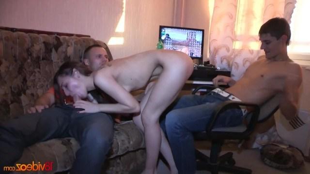 Кончил внутрь двое оттрахали одну худенькую порно видео мясистые