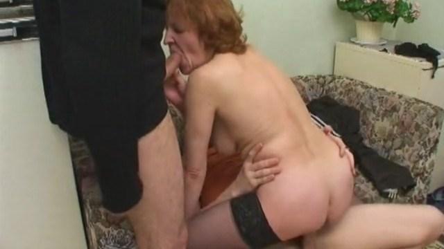 Рыжая волосатая проститутка в честь праздника отдалась русским парня без денег