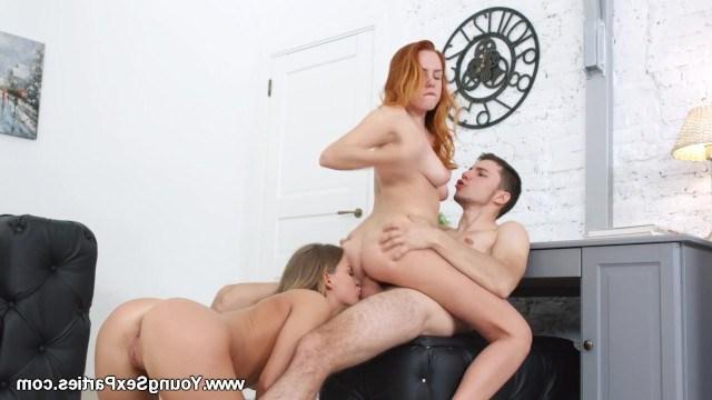 Студент исполняет свою давнюю мечту о сексе с двумя красивыми одногруппницами
