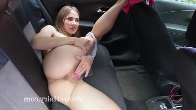 Актриска удивила шикарным голым задом