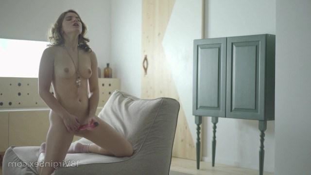 Девушка Знает Что Нужно Её Киске - Смотреть Порно Онлайн